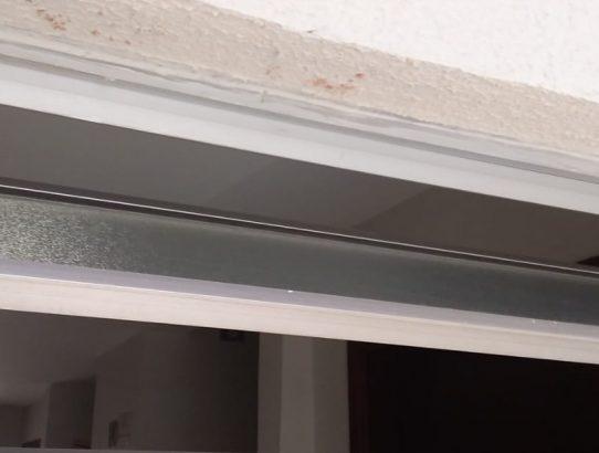 17/06/2019 - Vedação de Janelas contra chuvas em condomínio. Lado externo